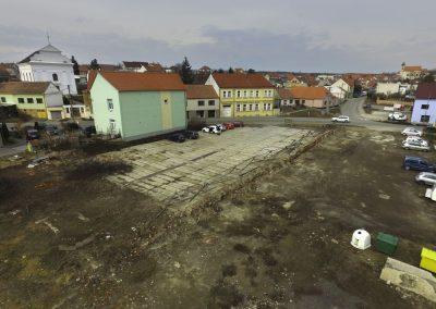 Pohled na stavební parcelu